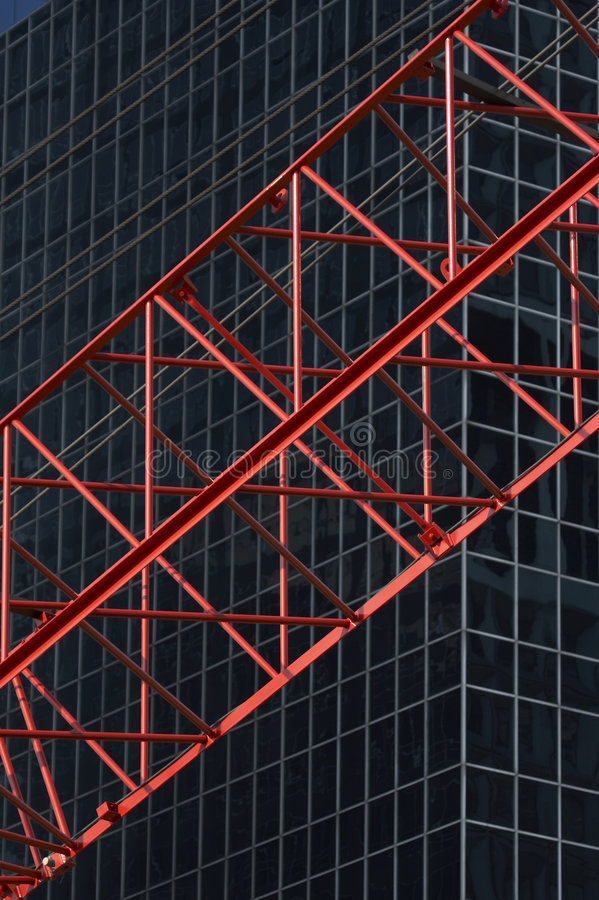 red för främre kontor r04 för byggnadsconstruktioncran arkivfoton