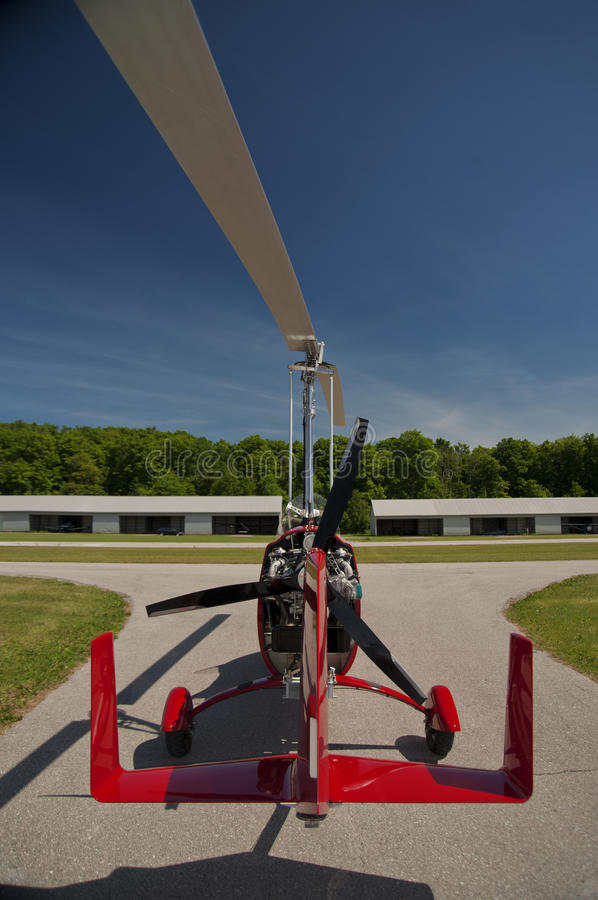 Free Red Open-cockpit Autogyro Royalty Free Stock Photography - 46217967
