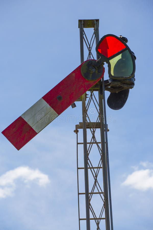 Free Red Railway Signal Royalty Free Stock Photos - 44250428