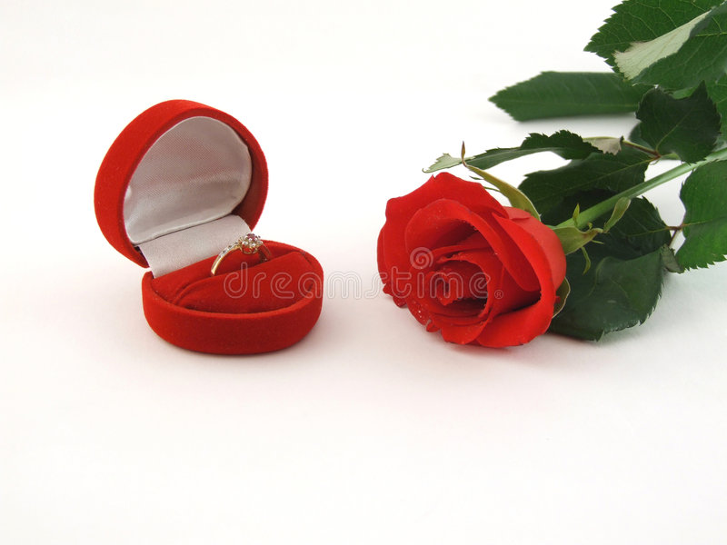 Download Red Rose And Ring Stock Photography - Image: 7926032