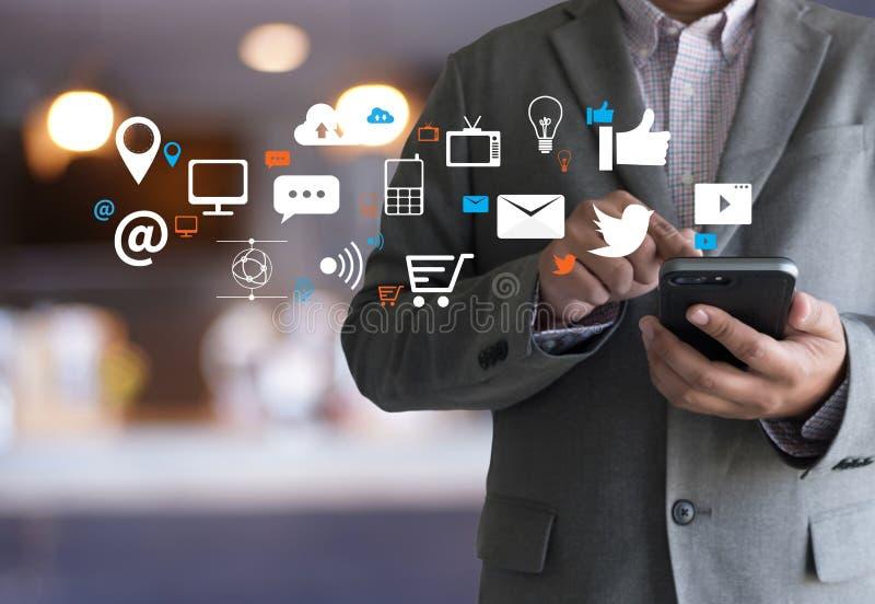 Red social de los medios sociales en línea de la comunicación de la charla del establecimiento de una red imagen de archivo