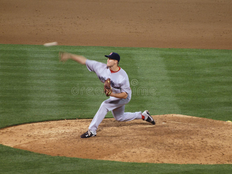 Red Sox Jonathan Papelbon que plus étroit jette une boule de lancement peut être vu photographie stock libre de droits