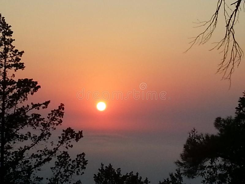 Red Sun Set. Shine is shuning royalty free stock photo