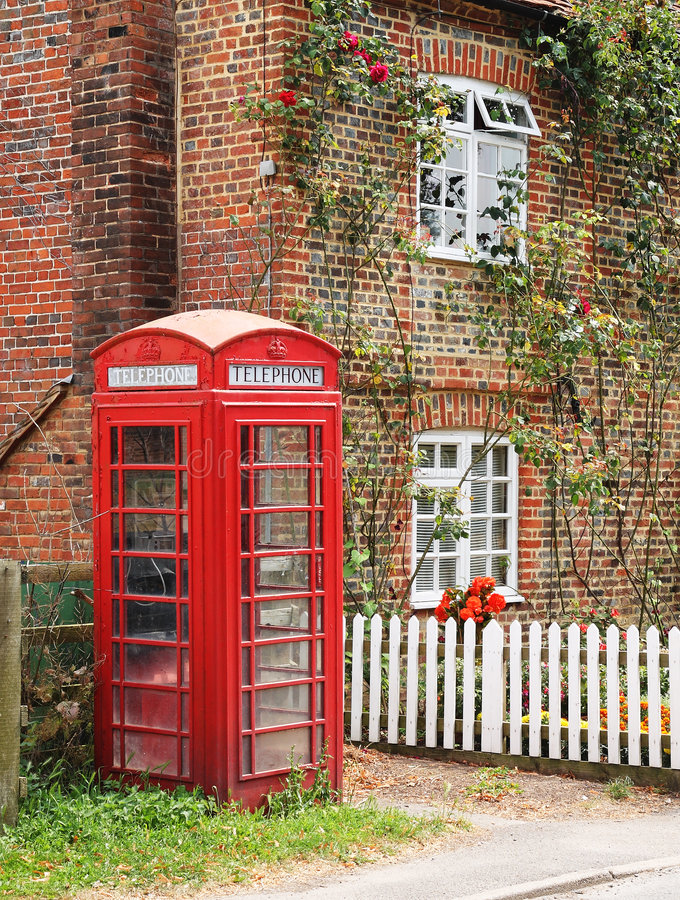 Free Red Telephone Box Royalty Free Stock Image - 8978436