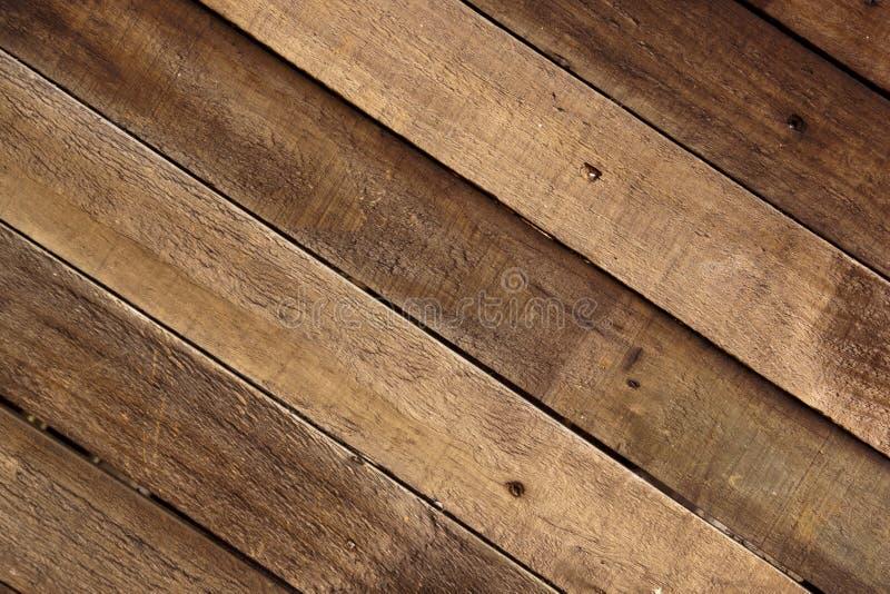 Red ut träSlats som monteras för att bilda en timmervägg fotografering för bildbyråer