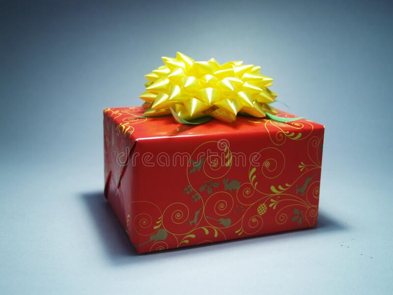 Red And Yellow Gift Wrap Free Public Domain Cc0 Image