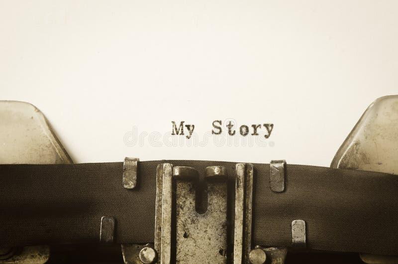 Redacta mi historia escrita en la máquina de escribir fotografía de archivo libre de regalías