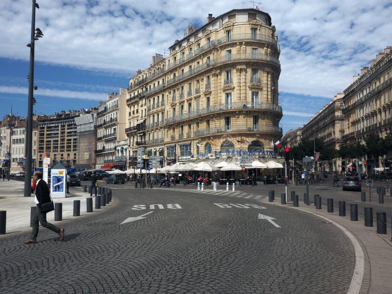 Redaktionelles Bierstubenrestaurant Marseilles Frankreich auf Hauptstraße lizenzfreie stockfotos