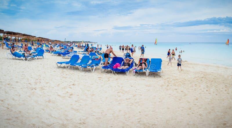 Redaktionelles Panorama von Malia Las Dunas Hotel Beach in Kuba stockbild