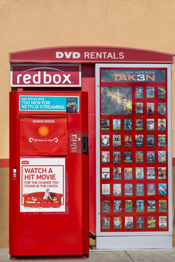 Redbox DVD hyrakiosk royaltyfria bilder