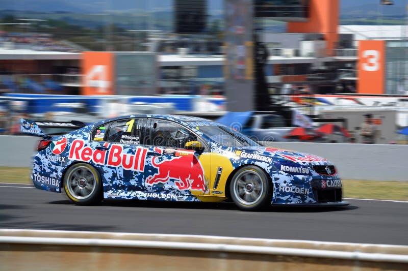 Redbull участвуя в гонке Holden V8 стоковые фото