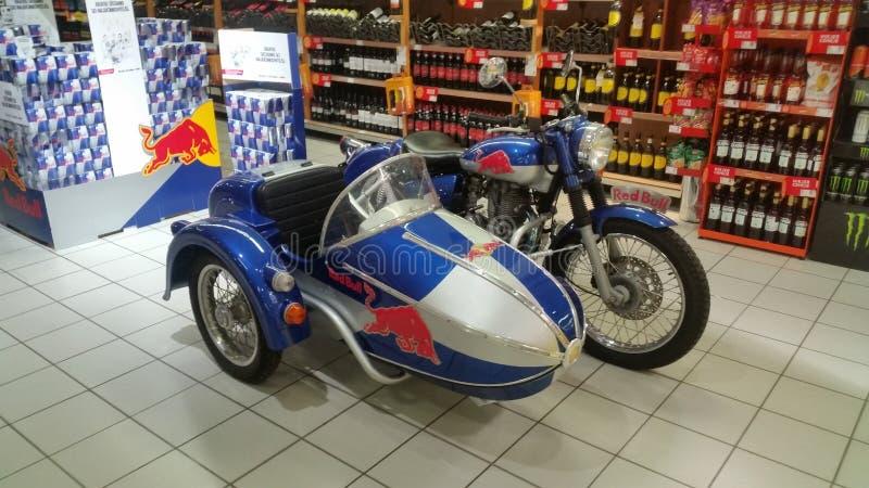 Redbull moped royaltyfria bilder