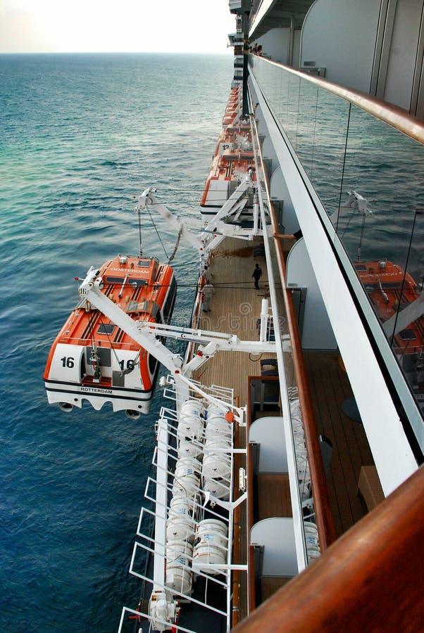 Reddingsboot op lijnboot stock foto's
