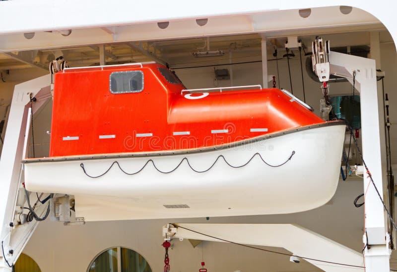 reddingsboot op schip stock foto