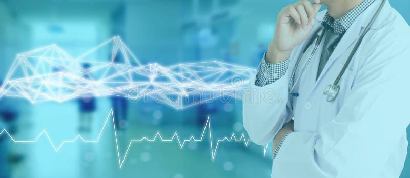 Rede da tecnologia no conceito médico da medicina, conexão de rede médica do ícone com a relação virtual da tela moderna com mes  imagem de stock