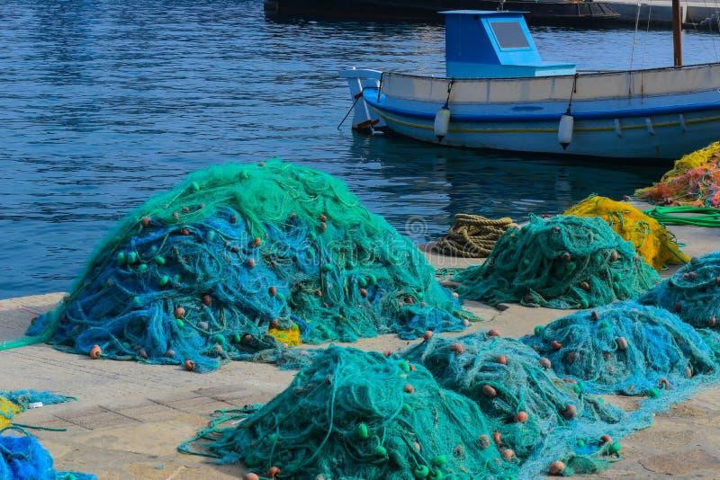 Rede de pesca da ilha Grécia de Samos do porto imagens de stock royalty free