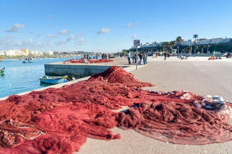 Rede de pesca no porto rabat marrocos fotos de stock royalty free