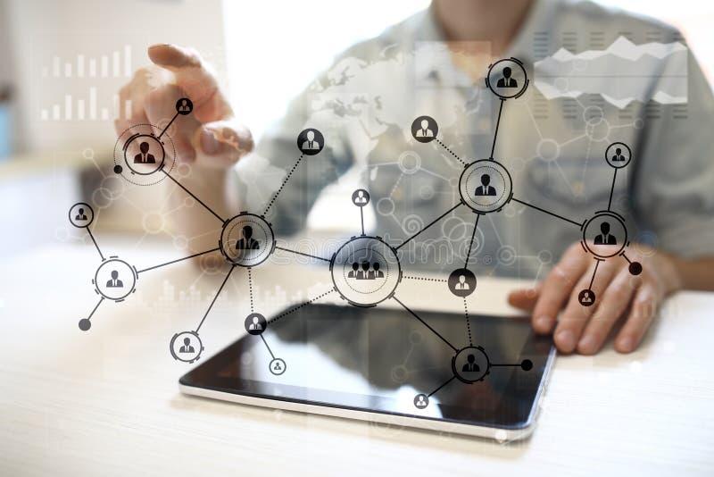 Rede do Social da estrutura dos ícones dos povos Hora Gestão de recursos humanos Internet do negócio e conceito da tecnologia foto de stock royalty free