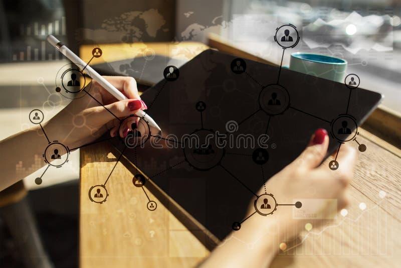 Rede do Social da estrutura dos ícones dos povos Hora Gestão de recursos humanos Internet do negócio e conceito da tecnologia fotografia de stock royalty free