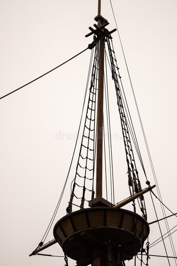 Rede för galande` s av en gammal seglingskyttel arkivbilder
