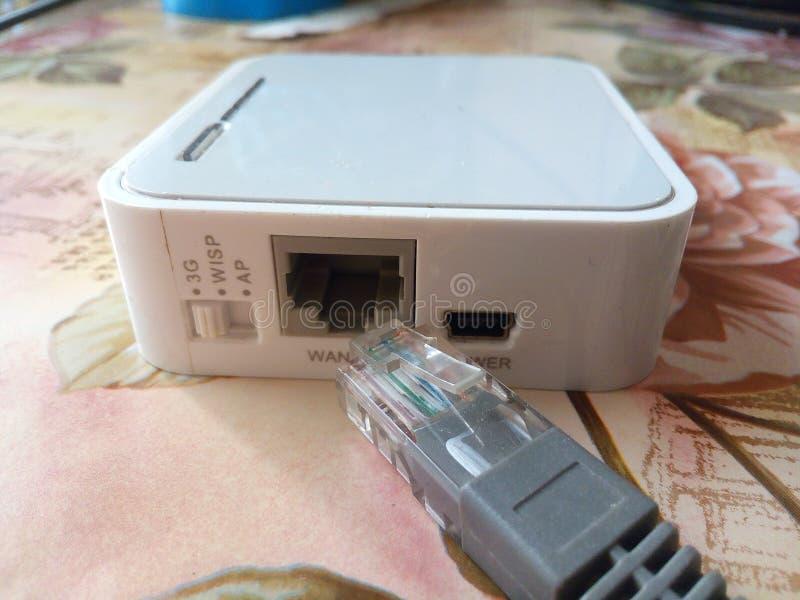 Rede, interruptor, fundo, branco, porto, cubo, pequeno, close up, tecnologia, equipamento, digital, uma comunicação, foto de stock