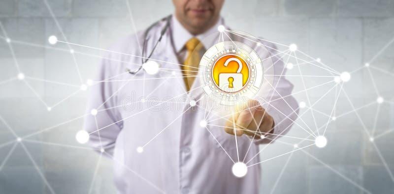 Rede segura do doutor Accessing Data Via imagens de stock