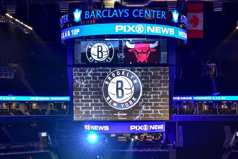 Redes contra o basquetebol dos touros no centro de Barclays fotografia de stock royalty free