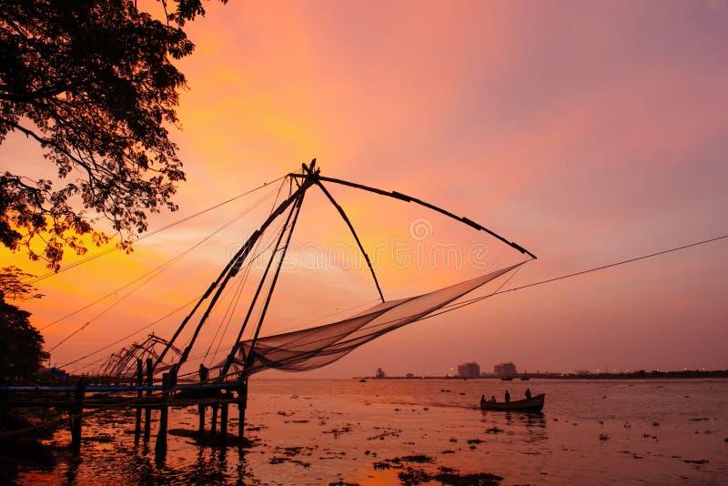 Redes de pesca chinas en el fuerte Kochi fotos de archivo libres de regalías