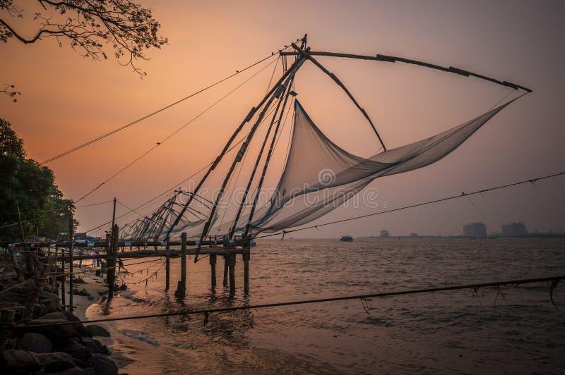 Redes de pesca chinas, Kochi, la India imágenes de archivo libres de regalías