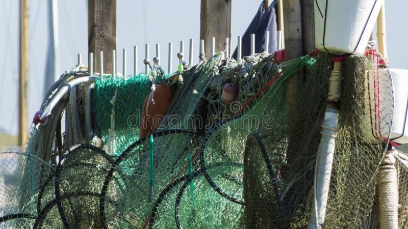 Redes de pesca y trampas de los pescados imagen de archivo