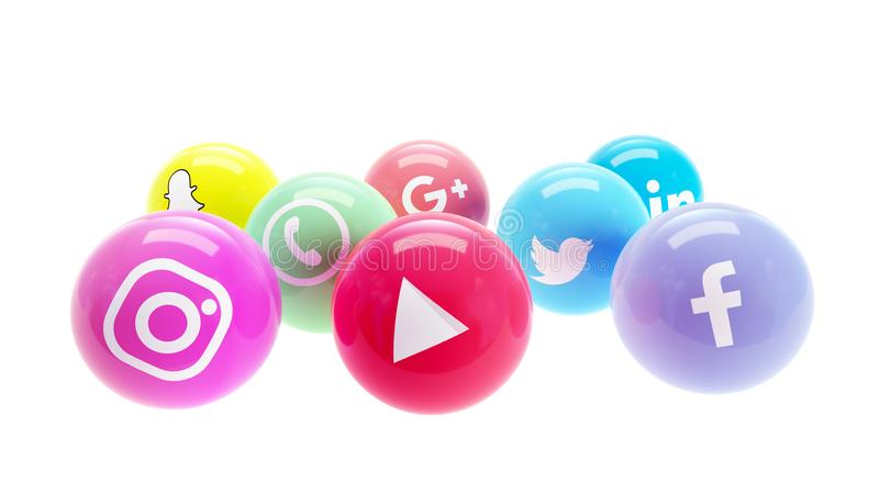 Redes sociales en las bolas pulidas brillantes para el medios márketing social fotos de archivo