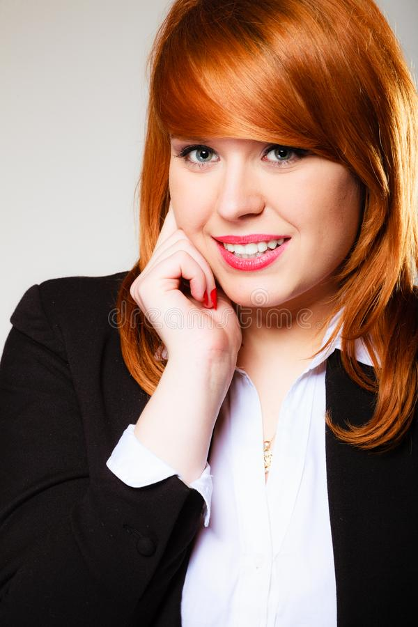 Redhaired biznesowej kobiety portret zdjęcie royalty free