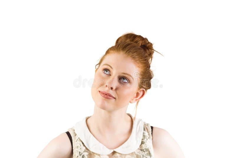 Redhead να φανεί Hipster επάνω σκεπτόμενος στοκ φωτογραφίες