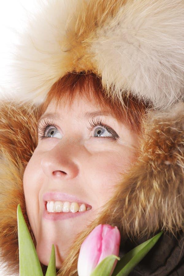 Redhead στη θερμή κουκούλα στοκ φωτογραφίες