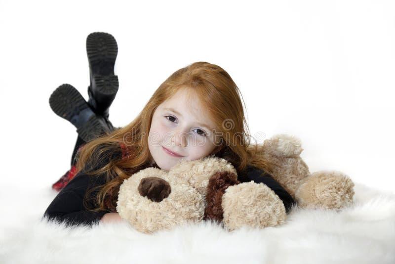 redhead χαλάρωση παιδιών στοκ εικόνες