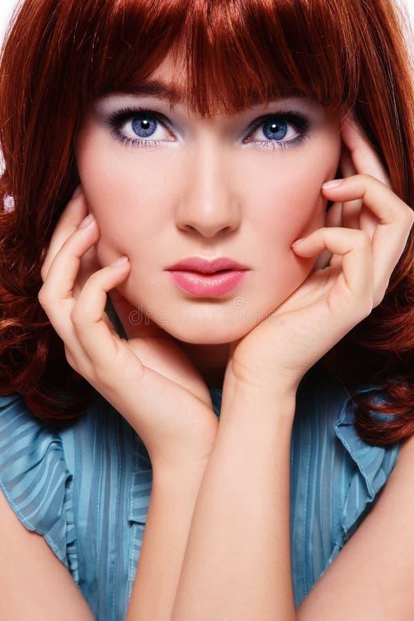 Redheadschönheit stockbild