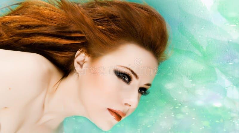 Redheadschönheit lizenzfreie stockfotos
