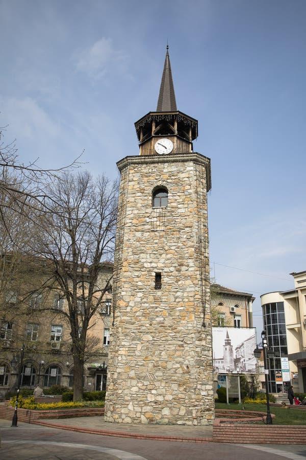 ?redniowieczny zegarowy wierza w centrum miasto Haskovo, Bu?garia obraz stock