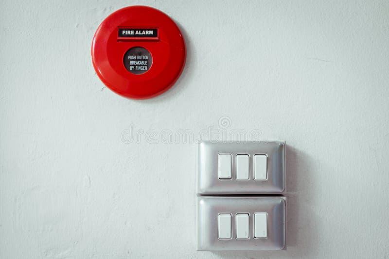 Redutor e alarme de incêndio fotos de stock