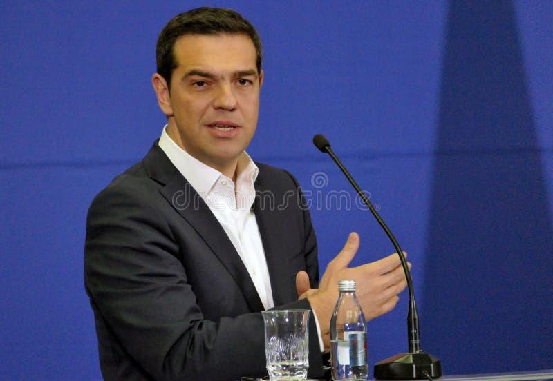 Reece Prime Minister Alexis Tsipras e o primeiro ministro sérvio Aleksandar Vucic guardam uma conferência de imprensa comum imagem de stock royalty free
