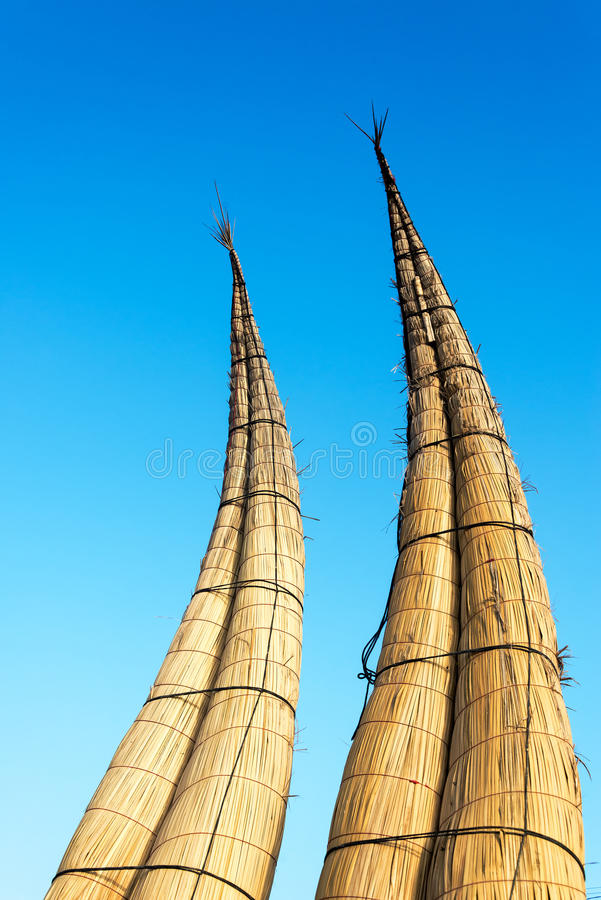 Download Reed Boats In Huanchaco, Peru Stock Afbeelding - Afbeelding bestaande uit kustlijn, traditioneel: 54088367