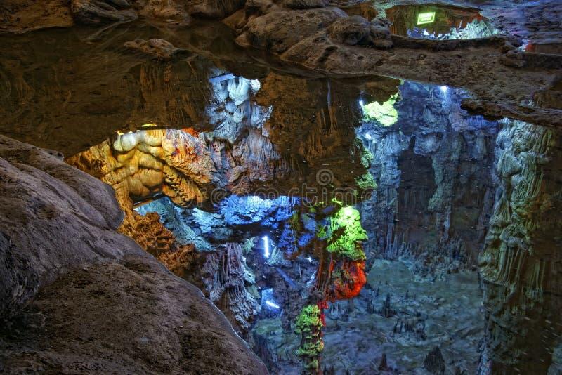 Reed Flute Cave arkivfoton