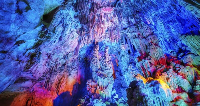 Reed Flute Cave, fondo astratto naturale fotografie stock libere da diritti
