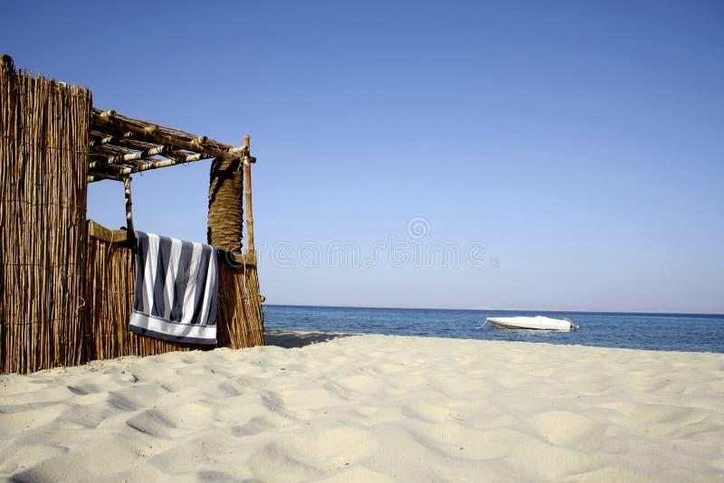 Reedhütte auf Strand, Rotes Meer stockfoto