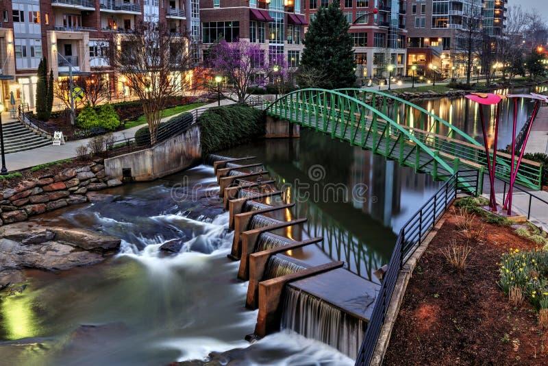 Reedy River Greenville South Carolina för soluppgång royaltyfri bild