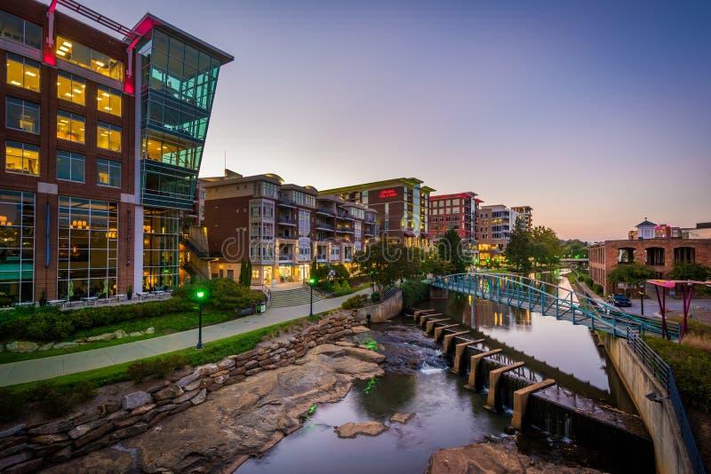 Reedy River no crepúsculo em Greenville, South Carolina imagem de stock royalty free