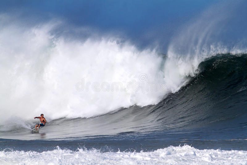 Download Reef McIntosh Surfing At Pipeline In Hawaii Editorial Image - Image: 17960105