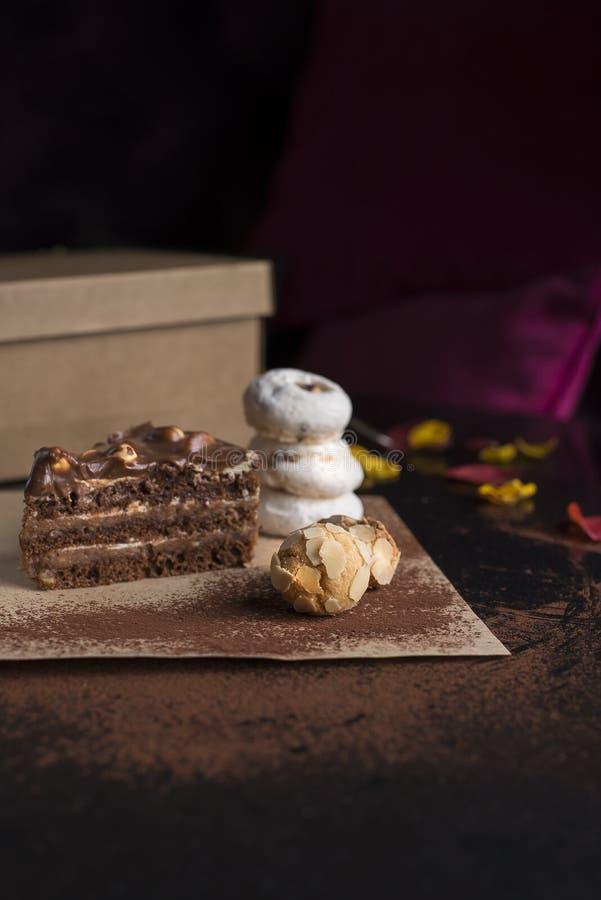 Reeks diverse gebakjes knapperige en romige romige textuur stock foto