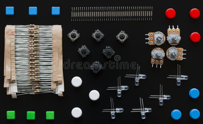Reeks elektronische componenten stock afbeelding