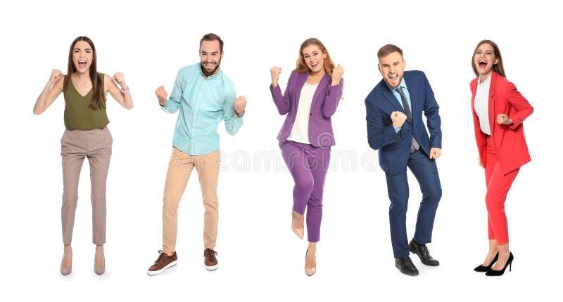 Reeks gelukkige mensen die overwinning op wit vieren stock foto